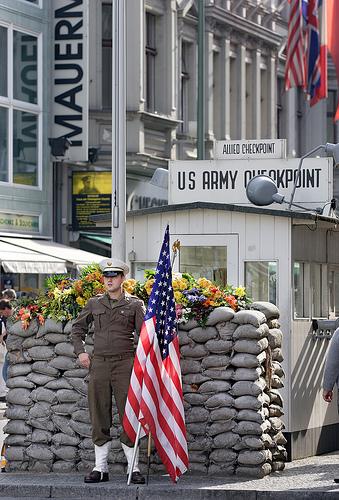 Checkpoint Charlie à Berlin