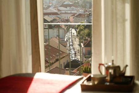 A Lisbonne, Casa das janelas com vista