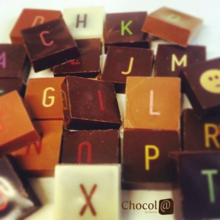 caractères en chocolat