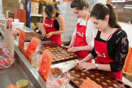 Biscuits et caramels à la Maison Guella