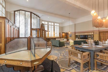 l ancienne poste de trouville loft pour les vacances. Black Bedroom Furniture Sets. Home Design Ideas